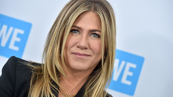 "Jennifer Aniston da oggi ha un account Instagram: la prima foto è con il cast di ""Friends"""