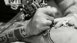 Tatuaggi tribali? Luigi Marchini è il tuo tatuatore, maestro dello stile polinesiano