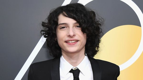 Addio boccoli! Finn Wolfhard, la star di Stranger Things, ora ha i capelli super corti