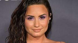 Demi Lovato ha ricordato quando fece coming out come fluida con i suoi genitori