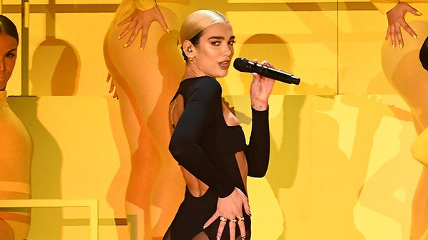 MTV EMA 2019: Dua Lipa è tornata con le sue irresistibili coreografie