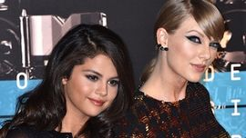 Selena Gomez ha risposto alla domanda su una possibile collaborazione con Taylor Swift