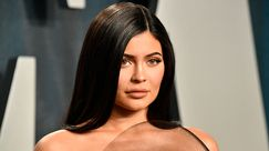 Le abstract nail di Kylie Jenner sono le unghie dell'estate 2020