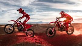 """Bloodline"": Josh Hansen, Jett Lawrence e Wyatt Thurman nel nuovo spettacolare video di motocross!"
