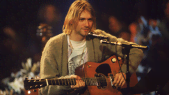 L'iconica chitarra di Kurt Cobain in MTV Unplugged è stata venduta all'asta per 6 milioni di dollari
