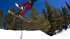 SCOTT STEVENS SNOWBOARDA ANCHE IN QUARANTENA: SCOPRI COME NEL VIDEO!