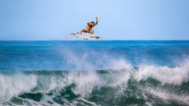 Mikey Wright: il Poseidon del surf [Video]