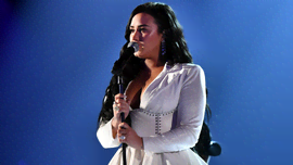 Demi Lovato: il fidanzato Max Ehrich ha dato un importante aggiornamento sul nuovo album