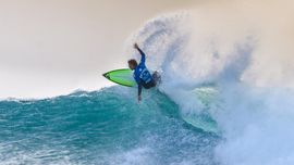 I magici tube di Luke Thompson [VIDEO DI SURF]