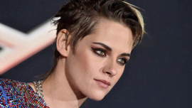 Spencer, nuove foto rubate dal set: la somiglianza di Kristen Stewart con Lady D è incredibile