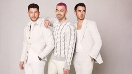 I Jonas Brothers hanno pubblicato il singolo natalizio