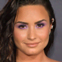 Demi Lovato ha fatto vedere il suo nuovo piercing al capezzolo