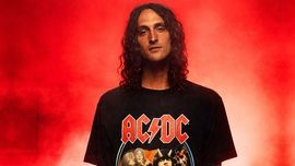 DC x AC/DC: la nuova collezione rock style presentata da Evan Smith [VIDEO DI SKATEBOARD]