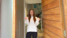 Holly H ti mostra dove nascono i suoi TikTok: un tour di casa sua in MTV Cribs International