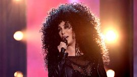 Cher rivela che è in lavorazione un film biografico sulla sua vita!