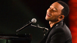 John Legend ha sorpreso un'artista di strada che stava cantando la sua